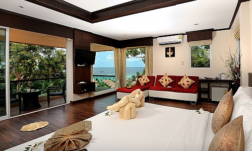 Honeymoon Suite (Superior Wing)