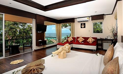 Honeymoon Suite (Superior Wing)